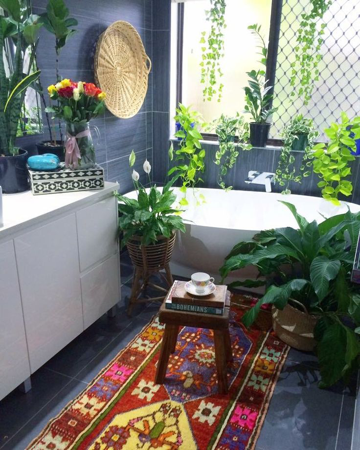 The Amazing Arrangement Of Dynamic Colours Distinctive Patterns And Vintage Elements Give This Bathroom A Sharp Bold Vibrant Ambience
